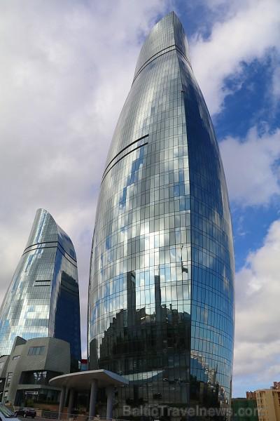 Debesskrāpju komplekss «Liesmas torņi» ir kļuvuši par Baku simbolu. Sadarbībā ar Latvijas vēstniecību Azerbaidžānā un tūrisma firmu «RANTUR Travel Age