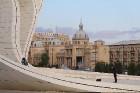 Travelnews.lv ar ekskursiju autobusu apceļo Baku raksturīgākās vietas. Sadarbībā ar Latvijas vēstniecību Azerbaidžānā un tūrisma firmu «RANTUR Travel  1