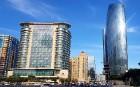 Travelnews.lv ar ekskursiju autobusu apceļo Baku raksturīgākās vietas. Sadarbībā ar Latvijas vēstniecību Azerbaidžānā un tūrisma firmu «RANTUR Travel  2