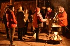 11. novembrī Jaunpils novada iedzīvotāji un viesi devās Lāčplēša dienas Gaismas gājienā no Jaunpils vidusskolas līdz Jaunpils pils laukumam, kur notik 16