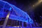 Jūrmalā - Dzintaru mežaparkā - atklāts Gaismas parks, kurā dažādos gaismas dekoros, skulptūrās jau otro gadu iemirdzas tūkstošiem LED gaismiņu. 1