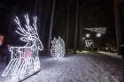 Jūrmalā - Dzintaru mežaparkā - atklāts Gaismas parks, kurā dažādos gaismas dekoros, skulptūrās jau otro gadu iemirdzas tūkstošiem LED gaismiņu. 4