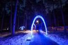 Jūrmalā - Dzintaru mežaparkā - atklāts Gaismas parks, kurā dažādos gaismas dekoros, skulptūrās jau otro gadu iemirdzas tūkstošiem LED gaismiņu. 5