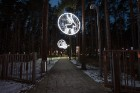 Jūrmalā - Dzintaru mežaparkā - atklāts Gaismas parks, kurā dažādos gaismas dekoros, skulptūrās jau otro gadu iemirdzas tūkstošiem LED gaismiņu. 8