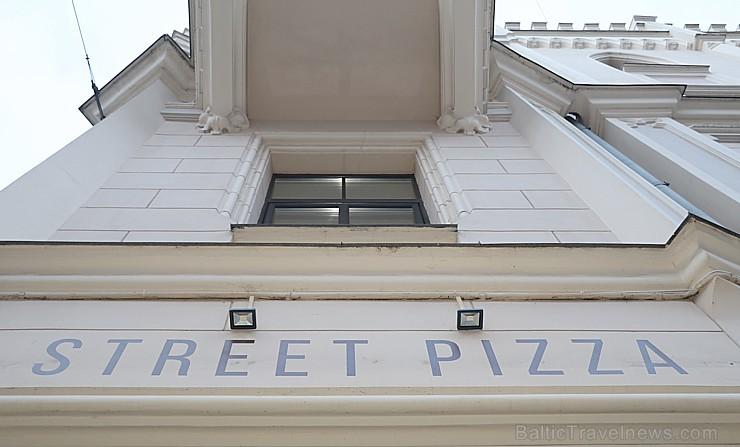 Pārdaugavā atvērusies īsta itāļu picērija «Street Pizza», kas ir vienīgā Baltijā ar Neapoles sertifikātu