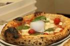 Pārdaugavā atvērusies īsta itāļu picērija «Street Pizza», kas ir vienīgā Baltijā ar Neapoles sertifikātu 1