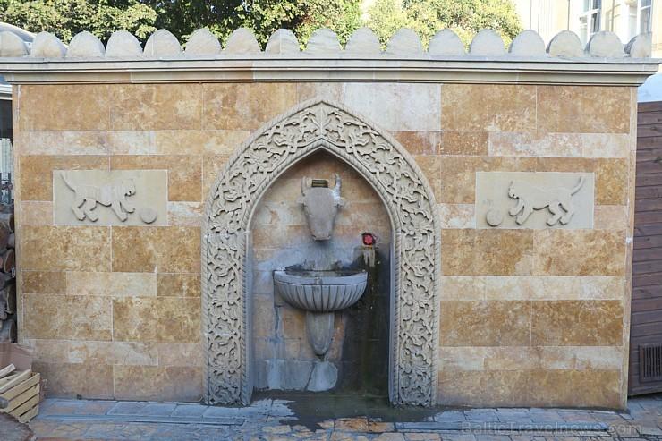 Travelnews.lv iepazīst Azerbaidžānas galvaspilsētu Baku izcila gida pavadījumā. Sadarbībā ar Latvijas vēstniecību Azerbaidžānā un tūrisma firmu «RANTU