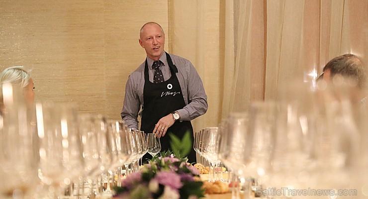 Vecrīgas restorāns «Kaļķu vārti» piedāvā gardēžu vakariņas ar aklo vīna degustāciju