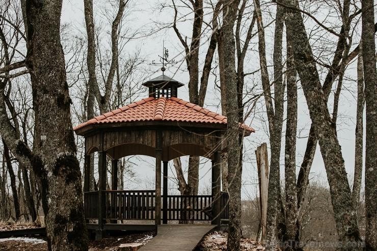 Ērgļu pils teritorija ir vērā ņemams tūrisma un apskates objektu papildinājums, kas priecēs viesus ar savādāku Ērgļu panorāmu no jaunizveidotās lapene