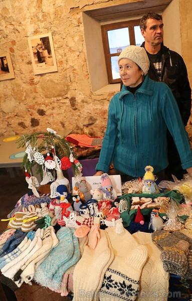 Travelnews.lv apmeklē Ziemassvētku tirdziņu Krāslavā 241997