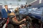 Vai rallijkrosa braucējs Reinis Nitišs spēj vienlaicīgi vadīt auto un izmantot tālruni? 9