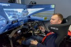 Vai rallijkrosa braucējs Reinis Nitišs spēj vienlaicīgi vadīt auto un izmantot tālruni? 15