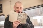 Ar trīs grāmatu plauktiem un vairākiem desmitiem grāmatu aprīkotais vilciena sastāvs kursēs visos dīzeļvilcienu maršrutos, dodot iespēju cilvēkiem Lat 18