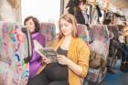 Ar trīs grāmatu plauktiem un vairākiem desmitiem grāmatu aprīkotais vilciena sastāvs kursēs visos dīzeļvilcienu maršrutos, dodot iespēju cilvēkiem Lat 24