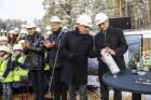 Mežaparka Lielās estrādes jaunās skatuves uzbūve notiks divās daļās - līdz 2020. gadam pirms XII Latvijas skolu jaunatnes dziesmu un deju svētkiem un  30