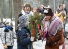 Rembates parkā pie Lielvārdes novada Kultūras centra jau otro gadu tika svinēti Meteņi, lai kopā ieskandinātu pavasari 27