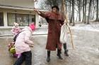 Rembates parkā pie Lielvārdes novada Kultūras centra jau otro gadu tika svinēti Meteņi, lai kopā ieskandinātu pavasari 33
