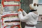 Rembates parkā pie Lielvārdes novada Kultūras centra jau otro gadu tika svinēti Meteņi, lai kopā ieskandinātu pavasari 35