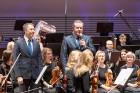 Ar grandiozu Liepājas Simfoniskā orķestra un pasaulslavenā čellista Miša Maiska koncertu atklāts 27. Liepājas Starptautiskais zvaigžņu festivāls 2