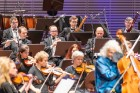 Ar grandiozu Liepājas Simfoniskā orķestra un pasaulslavenā čellista Miša Maiska koncertu atklāts 27. Liepājas Starptautiskais zvaigžņu festivāls 5