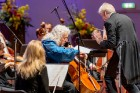 Ar grandiozu Liepājas Simfoniskā orķestra un pasaulslavenā čellista Miša Maiska koncertu atklāts 27. Liepājas Starptautiskais zvaigžņu festivāls 6