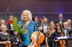 Ar grandiozu Liepājas Simfoniskā orķestra un pasaulslavenā čellista Miša Maiska koncertu atklāts 27. Liepājas Starptautiskais zvaigžņu festivāls 11
