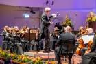 Ar grandiozu Liepājas Simfoniskā orķestra un pasaulslavenā čellista Miša Maiska koncertu atklāts 27. Liepājas Starptautiskais zvaigžņu festivāls 12