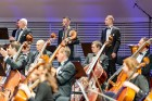 Ar grandiozu Liepājas Simfoniskā orķestra un pasaulslavenā čellista Miša Maiska koncertu atklāts 27. Liepājas Starptautiskais zvaigžņu festivāls 17