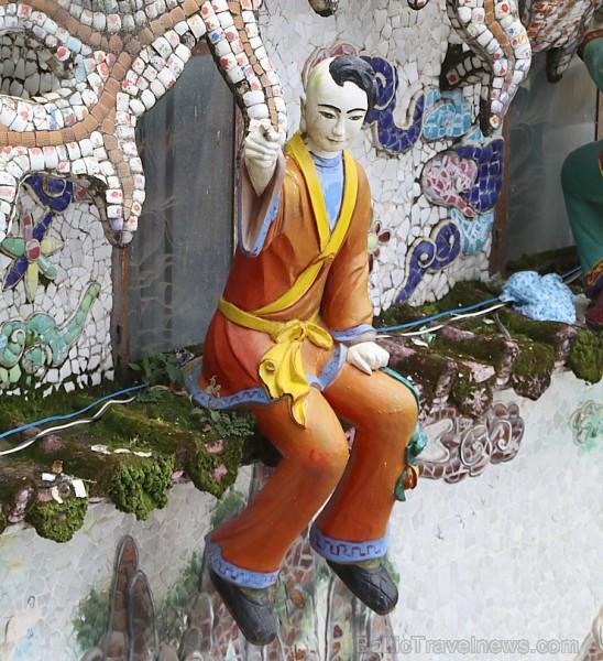 Travelnews.lv iepazīst vjetnamiesu budistu templi Linh-Phuoc-Pagode Dakotā. Atbalsta: 365 brīvdienas un Turkish Airlines 249358