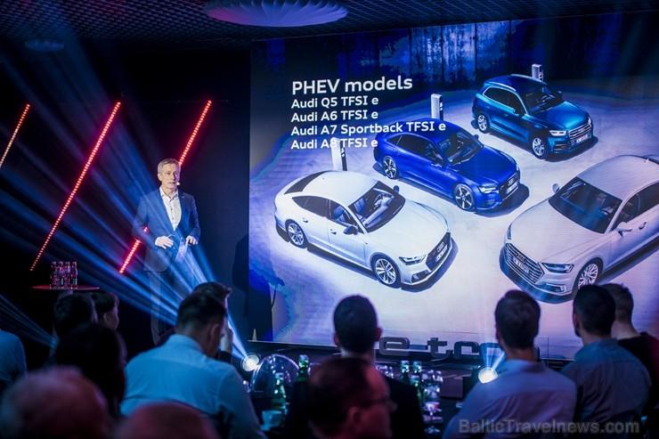 Audi pirmo reizi Rīgā 2.04.2019 prezentē pilnīgi elektrisku vāģi «Audi e-tron»
