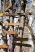 Užupes apkaime ir populāra mākslinieku vidē un ar savu bohēmisko atmosfēru tiek salīdzināta ar Monmartru Parīzē un Kristiāniju Kopenhāgenā. 1997. gada