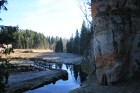 Handfabrikas vai Anfabrikas klints ir 16,5m augsta, vertikāla smilšakmens klints - valsts nozīmes dabas piemineklis. 12