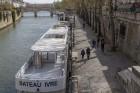 Parīzes Dievmātes katedrāle ir viens no visvairāk apmeklētākajiem tūrisma objektiem Parīzē. Elpu aizraujošās vitrāžas un griestu velves, kas datējamas 13