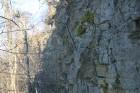 Blakus ūdenskritumam uzlietās kāpnes soli pa solim izved cauri visiem miljonu gadu slāņiem ... 53