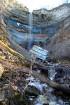 30 metru augstais Valastes ūdenskritums, pat tagad pēc jau noskrējušiem pavasara plūdiem izstaro neaptveramu spēku. Tā tuvumā sajūti visus tos klints  51