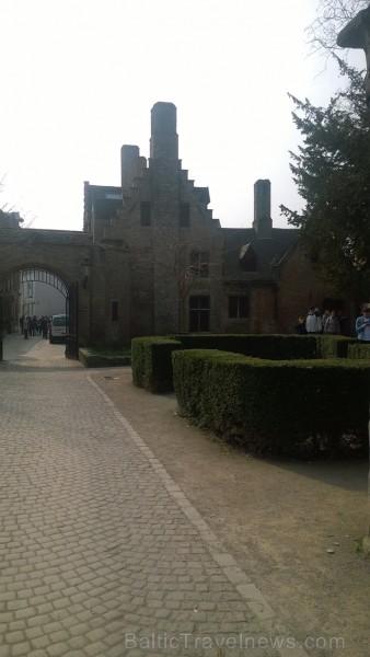 Latviešu ceļotāji, dodoties uz Nīderlandes plašajiem tulpju laukiem, izbauda arī Beļģijas vēsturisko pilsētu Brigi