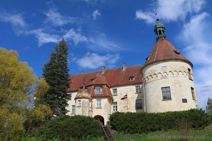 Travelnews.lv apciemo pavasarīgo Jaunpils pili un izbauda kroga ēdienkarti