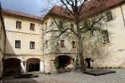 Travelnews.lv apciemo pavasarīgo Jaunpils pili un izbauda kroga ēdienkarti 16