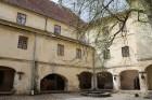 Travelnews.lv apciemo pavasarīgo Jaunpils pili un izbauda kroga ēdienkarti 17