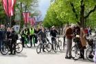 Tvīda brauciens Ogrē 4. maijā kļuvis par neatņemamu Latvijas neatkarības atjaunošanas dienas pasākumu atzīmēšanas daļu un arī šogad lietus un aukstums 2
