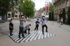 Tvīda brauciens Ogrē 4. maijā kļuvis par neatņemamu Latvijas neatkarības atjaunošanas dienas pasākumu atzīmēšanas daļu un arī šogad lietus un aukstums 4