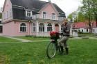 Tvīda brauciens Ogrē 4. maijā kļuvis par neatņemamu Latvijas neatkarības atjaunošanas dienas pasākumu atzīmēšanas daļu un arī šogad lietus un aukstums 6
