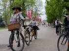 Tvīda brauciens Ogrē 4. maijā kļuvis par neatņemamu Latvijas neatkarības atjaunošanas dienas pasākumu atzīmēšanas daļu un arī šogad lietus un aukstums 12