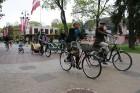 Tvīda brauciens Ogrē 4. maijā kļuvis par neatņemamu Latvijas neatkarības atjaunošanas dienas pasākumu atzīmēšanas daļu un arī šogad lietus un aukstums 15