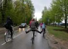 Tvīda brauciens Ogrē 4. maijā kļuvis par neatņemamu Latvijas neatkarības atjaunošanas dienas pasākumu atzīmēšanas daļu un arī šogad lietus un aukstums 20