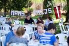 Ar svinīgiem koncertiem, militāro parādi, kopīgu pulcēšanos pie balti klātiem galdiem sestdien Latvijā un citviet pasaulē plaši tika svinēta Latvijas  22