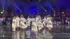 Ar svinīgiem koncertiem, militāro parādi, kopīgu pulcēšanos pie balti klātiem galdiem sestdien Latvijā un citviet pasaulē plaši tika svinēta Latvijas  33