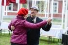 Ar svinīgiem koncertiem, militāro parādi, kopīgu pulcēšanos pie balti klātiem galdiem sestdien Latvijā un citviet pasaulē plaši tika svinēta Latvijas  91