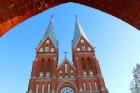 Travelnews.lv iesaka apciemot Viļaku un apskatīt burvīgo neogotikas stila baznīcu 1