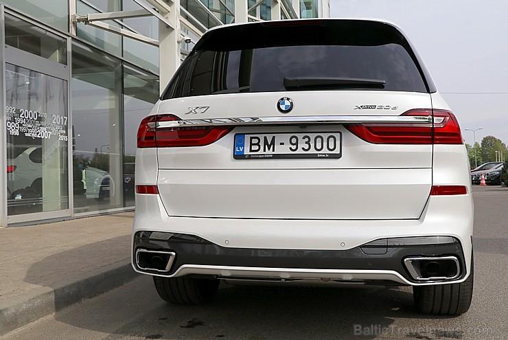 Latvijā prezentē 11.05.2019 pirmo luksus klases apvidus automobili «BMW X7»
